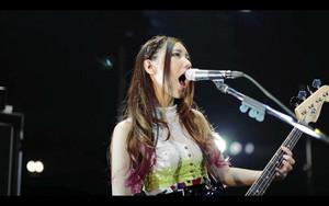 日本女の子バンドのスキャンダル 小川 ともみ