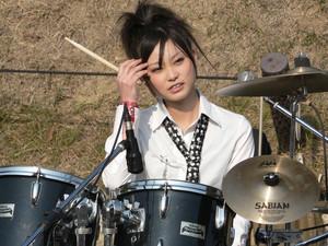 日本女の子バンドのスキャンダル鈴木 理奈