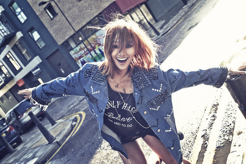 SISTAR (씨스타) wallpaper probably containing a hip boot, a playsuit, and a street called Hyorin – Love & Hate