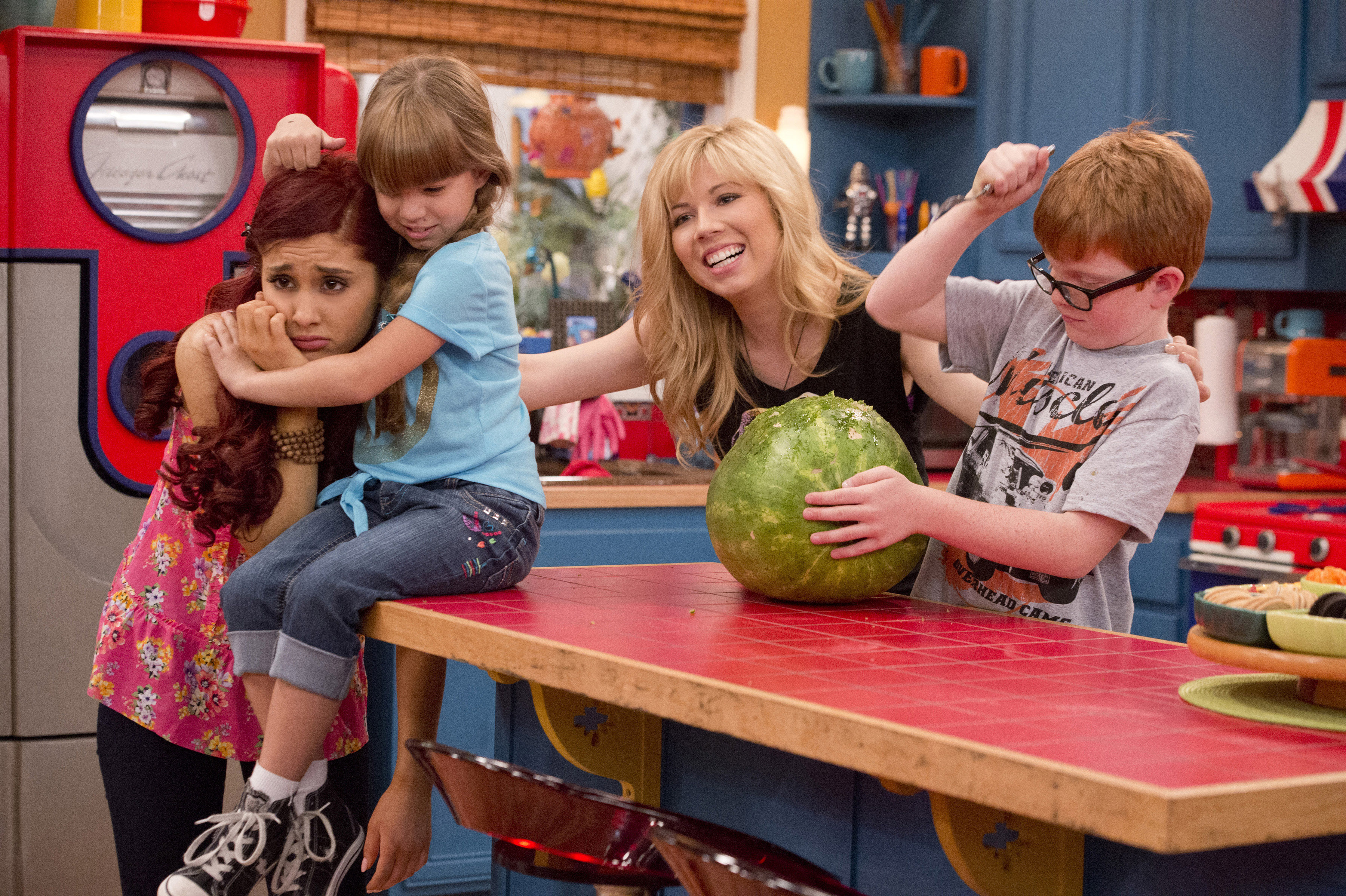 Sam And Cat Super Rockin Fun Time Babysitting Service