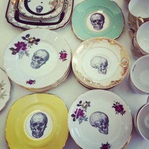 Skulls/Flowers