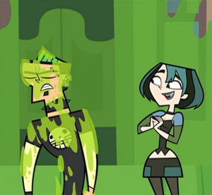 Gwen likes the way Duncan glistens xD
