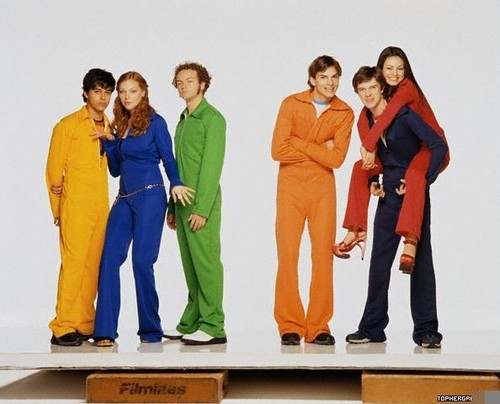 Шоу 70-х Обои containing a well dressed person, a business suit, and a suit entitled That '70s Показать Cast Shoot