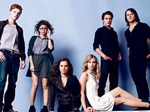 The Vampire Academy Blood Sisters achtergrond probably containing a well dressed person entitled Cast foto