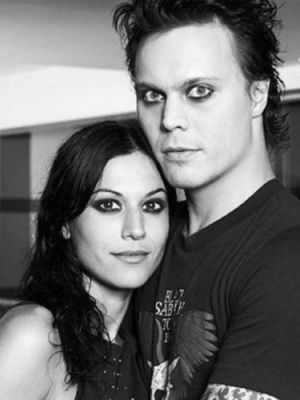 Ville Valo 壁纸 probably containing a portrait titled Ville & Cristina Scabbia