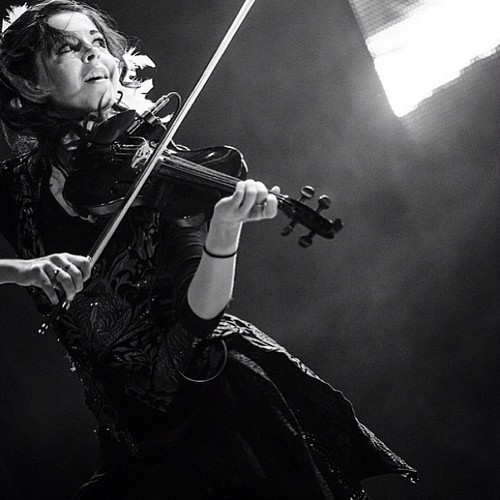 Violin Wallpaper Containing A Violist And Cello Called Lindsey Stirling