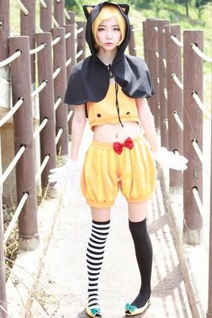 Kagamine Rin Cosplay