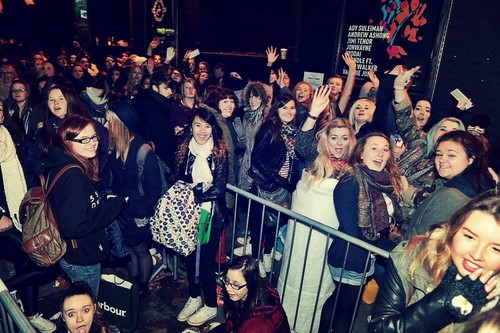 5 Seconds of Summer images Fans waiting at koko HD ...  5sos With Fans 2014