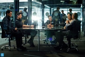 Almost Human - Episode 1.06 - Arrhythmia - Promotional 照片
