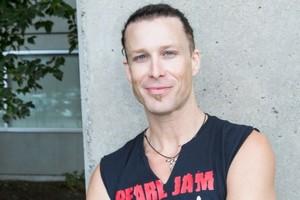 Rocker- Jonny-Heatherington-close-up- the Art of running