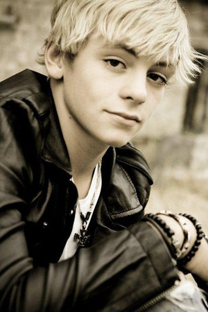 Ross Lynch/ Austin Moon