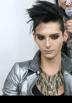 Bill Kaulitz 壁紙 possibly with a portrait entitled Bill Kaulitz
