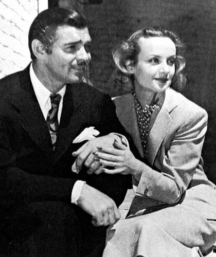 beroemdheden who died young achtergrond with a business suit and a suit called Clark Gable And Carole Lombard
