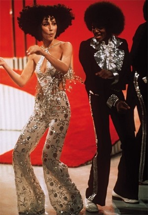 Cher Dancing With Michael Jackson On Her 显示 Back In 1975