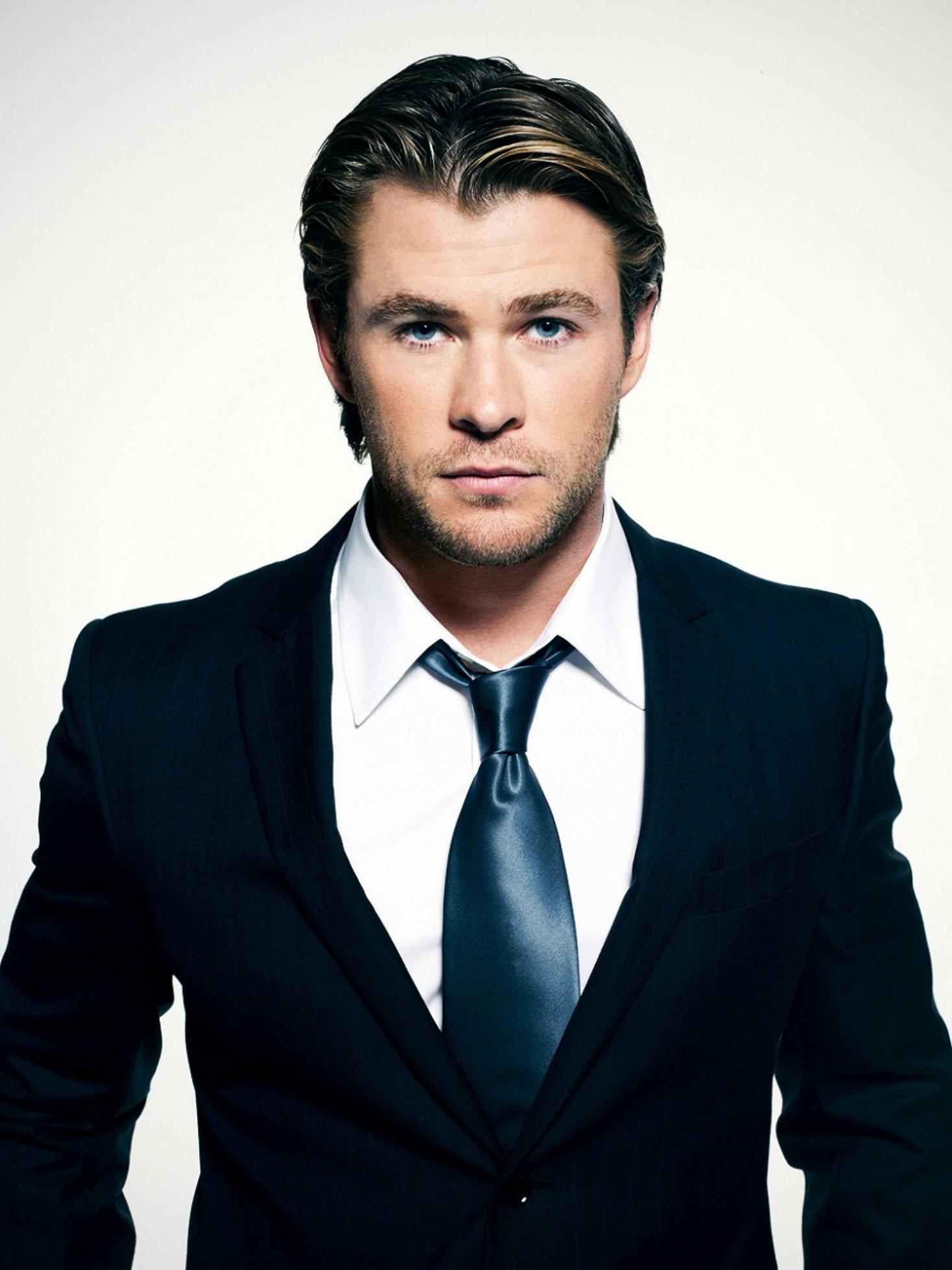 Chris Hemsworth - Chri...