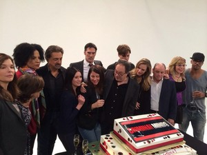 Cast and Crew celebrating Epi 200