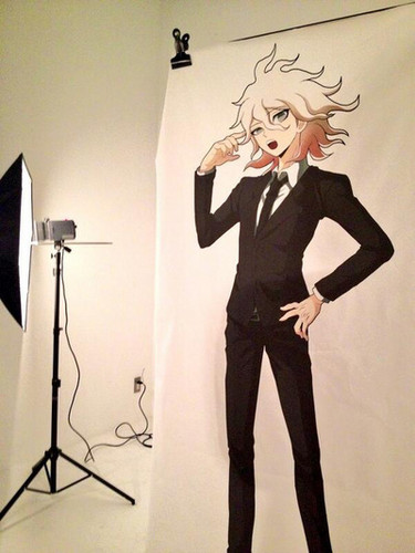 Dangan Ronpa kertas dinding with a well dressed person, a business suit, and a suit called Komaeda Nagito
