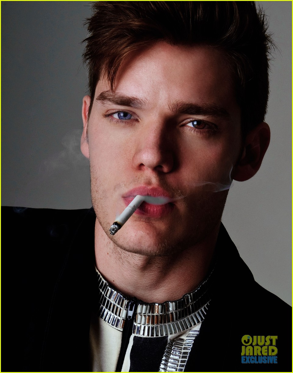 Dominic Sherwood Jj Photoshoot Dominic Sherwood Photo 36213998 Fanpop