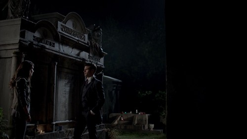 Elijah 바탕화면 with a 거리 entitled Elijah Mikaelson