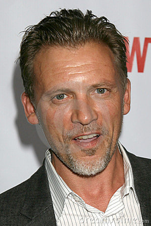 Callum Keith Rennie casted as Ray Steele