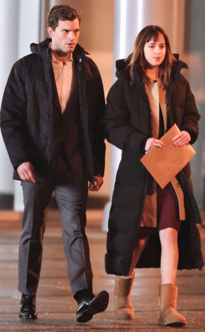 Jamie and Dakota filming a scene in Fifty Shades of Grey