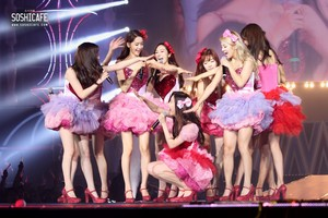 SNSD Hong Kong World Tour 2013 (Photo 1)