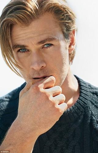 Hottest Actors wallpaper titled Chris Hemsworth