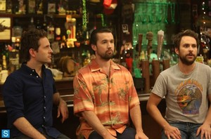 It's Always Sunny in Philadelphia - Episode 9.04 - Mac and Dennis Buy a Timeshare - mga litrato