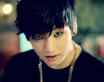 全正国(防弹少年团) 壁纸 containing a bearskin called ♥ º ☆.¸¸.•´¯`♥ Sexy Jungkook! ♥ º ☆.¸¸.•´¯`♥
