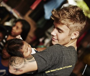 Justin Bieber Pencils Of Promise