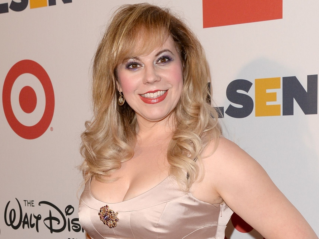 Kirsten Vangsness earned a  million dollar salary, leaving the net worth at 3 million in 2017