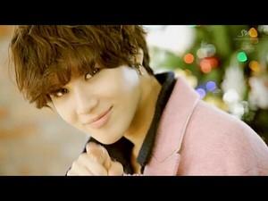 Taemin in SHINee 샤이니 Colorful MV
