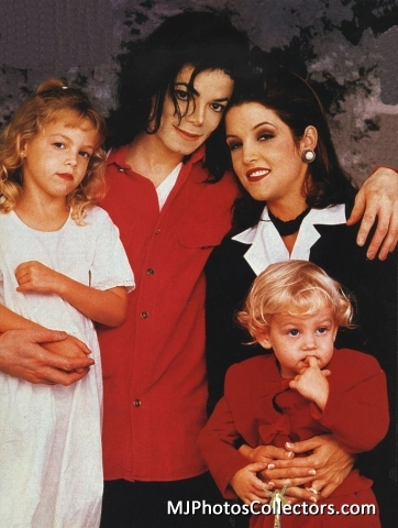 Michael Jackson and Lisa Marie wallpaper called The Jackson Family