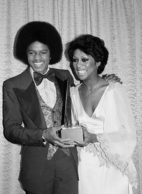 Michael And Lola Falana Backstage At The 1977 American música Awards