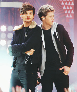 Louis and Niall<3