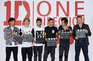 This Is Us: One Direction Premiere<3