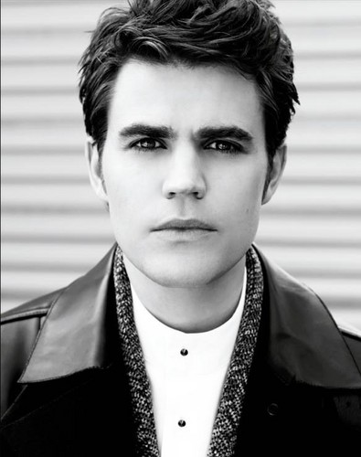 Paul Wesley wallpaper probably with a business suit, a well dressed person, and dress blues titled Paul Wesly in Fashionisto