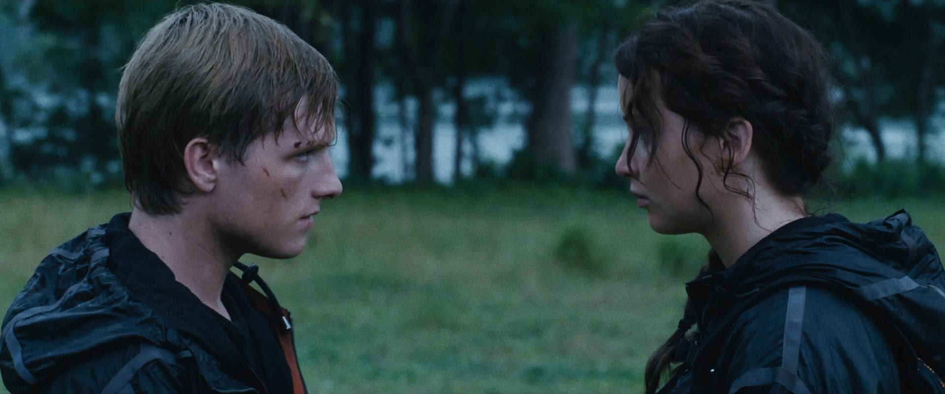 Are katniss and gale dating in the hunger games 8
