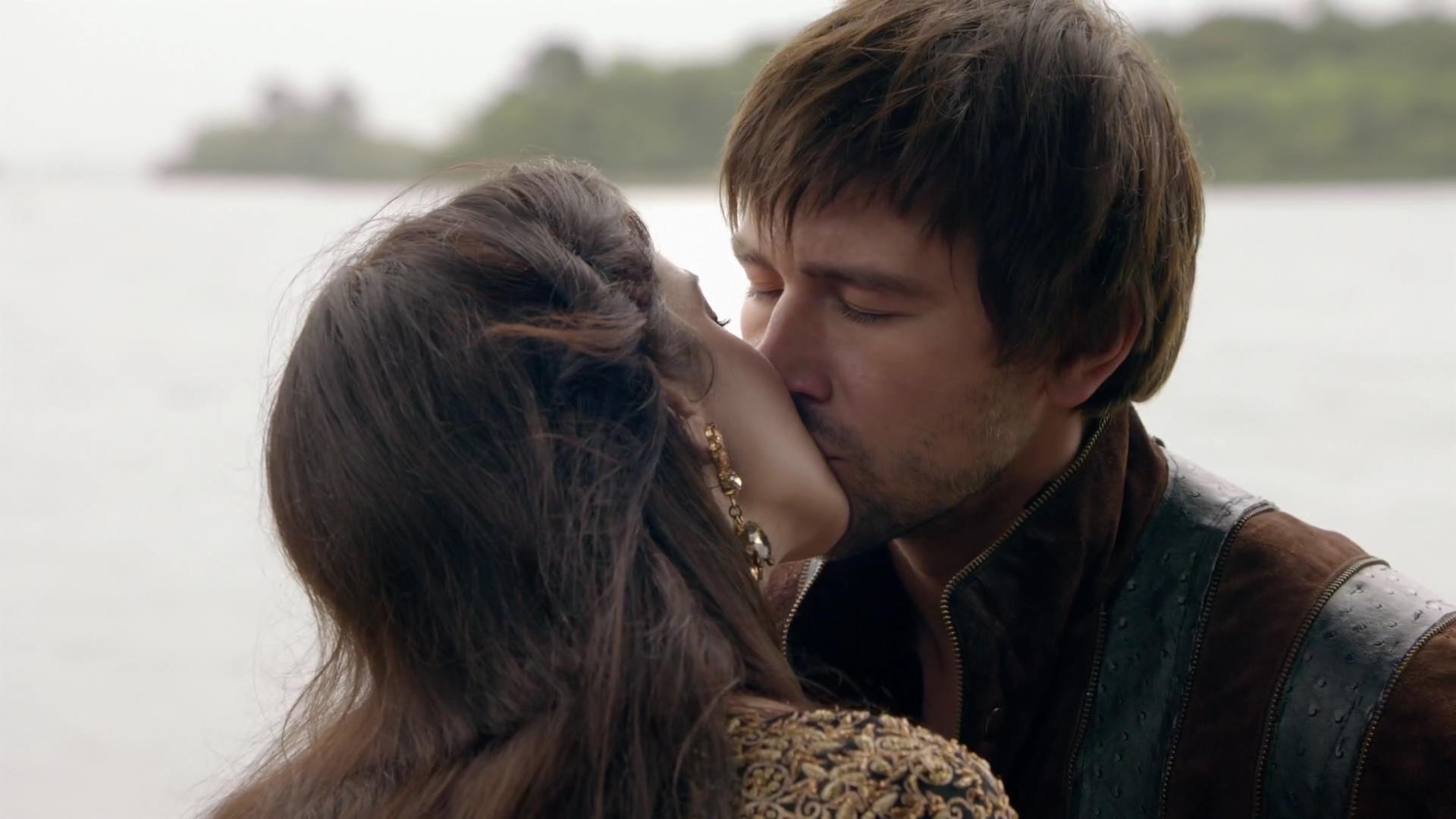 Bildergebnis für reign mary and bash kiss