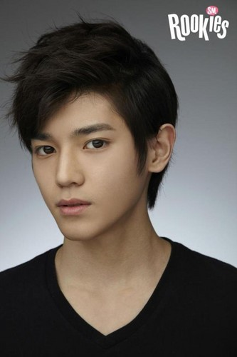 SM ROOKIES Обои possibly with a jersey and a portrait titled SM Rookies – TaeYong