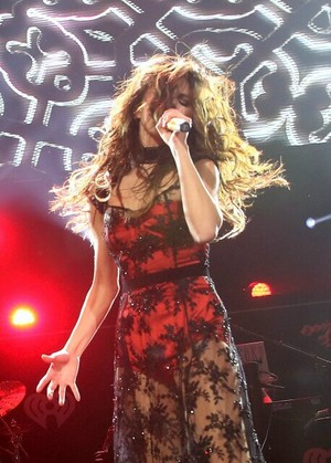 Selena performs in 106.1 ciuman FM's jingle Ball in Seattle - December 8