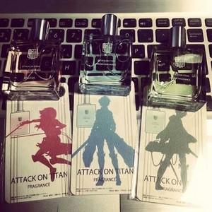 Mikasa; Eren; Armin.