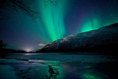 o espaço wallpaper probably with a sunset titled Aurora Borealis