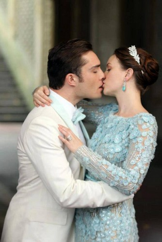 couples de la TV fond d'écran possibly containing a bridesmaid and a portrait titled Blair and Chuck