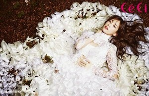 Taeyeon's prévisualiser photos in CeCi's Magazine January 2014