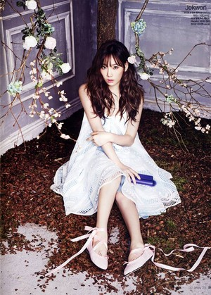 Taeyeon CeCi Magazine 2014 Jan Issue