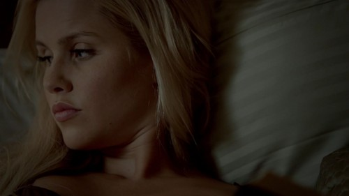 The Originals پیپر وال containing a portrait called Rebekah Mikaelson