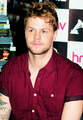 ibon ng dyey McGuiness Gorgeous !!!