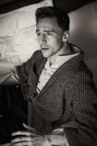 Tom Hiddleston wallpaper entitled Tom Hiddleston