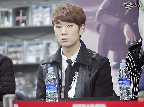 Topp Dogg wallpaper probably containing a business suit titled •  Kidoh  •